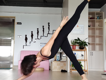 瑜悦瑜伽培训馆
