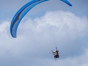 鹅行天下滑翔伞Club·深度体验店