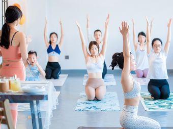 一晨瑜伽工作室