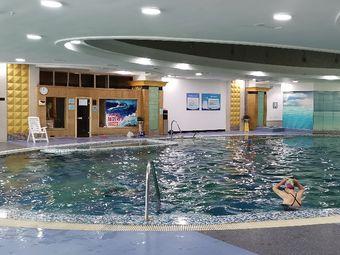 鸿福酒店游泳馆