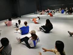 U·N网红舞蹈工作室的图片