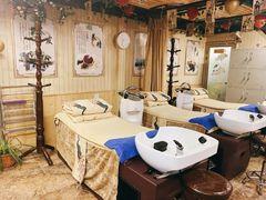 巴马瑶寨头疗养生的图片