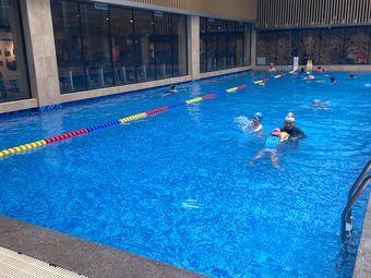 環球健身游泳館