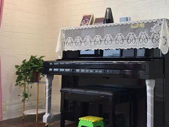 乔乔钢琴教室