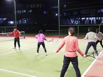 动邦网球培训中心(珞狮路店)