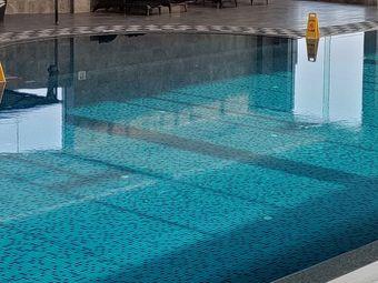 昀动游泳健身