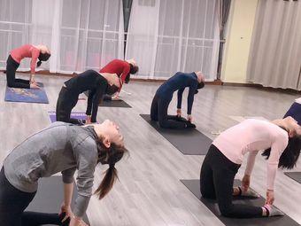 梵束美瑜伽工作室