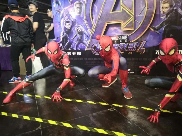 《复联4》零点场震撼开画,蜘蛛侠惊现影城  第2张