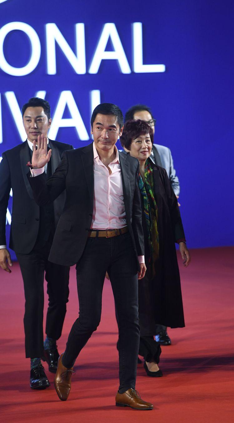 《一级指控》亮相北京国际电影节,方中信等全明星阵容闪耀红毯  第3张