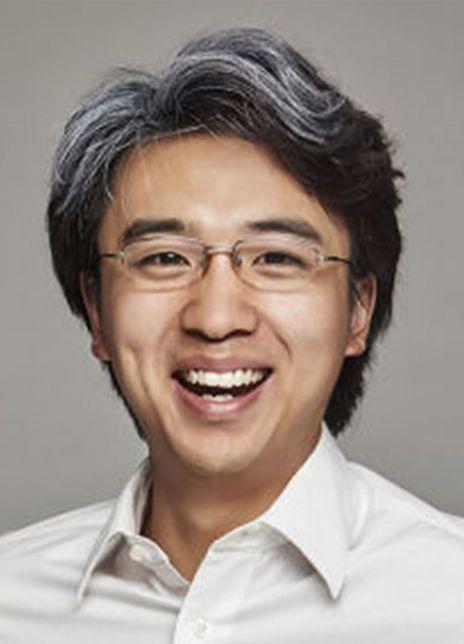Yalong Zheng