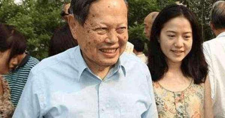 96岁杨振宁这样称呼翁帆74岁父亲,网友:好机智  第5张