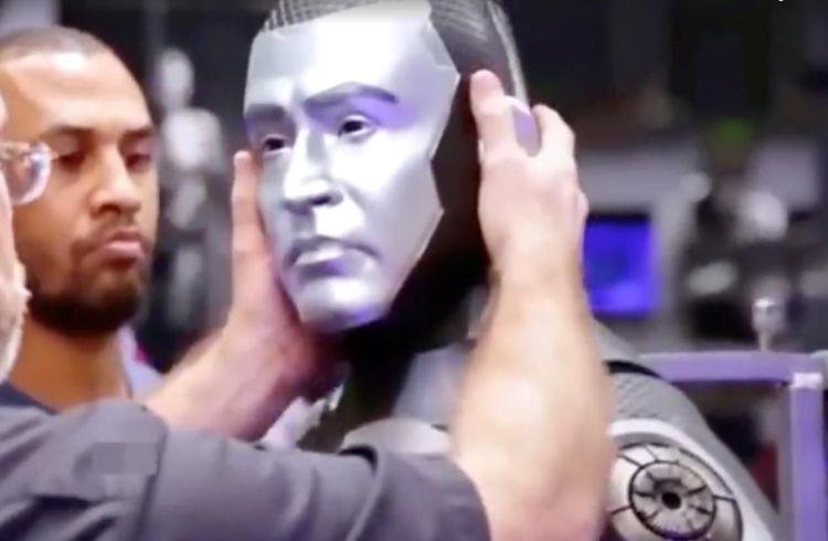 复联又一超级英雄要来了,宝莱坞机器人2.0有望引进  第2张