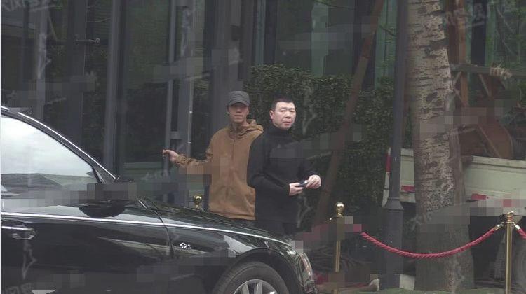 范冰冰被曝密会冯小刚,疑似为了复出商谈《手机2》上映事宜  第2张