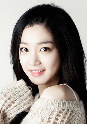 Yoo-Bi Lee