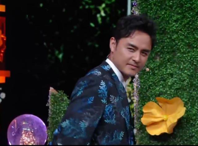陈乔恩明道惊喜同框,时隔14年再演《王子变青蛙》,现场甜蜜发糖
