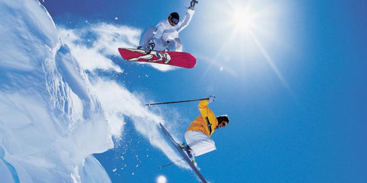 照金山国际滑雪场丨78元享周一至周五夜场不限时滑雪+雪具(不限人群票)丨冬天的快乐源泉!