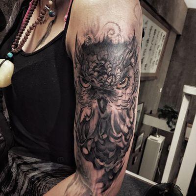 猫头鹰遮盖纹身图