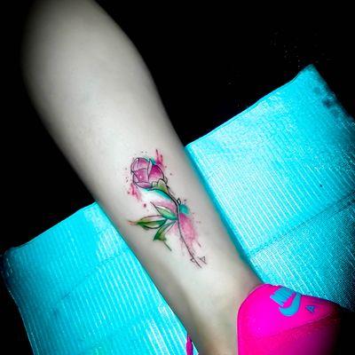涂鸦玫瑰纹身款式图