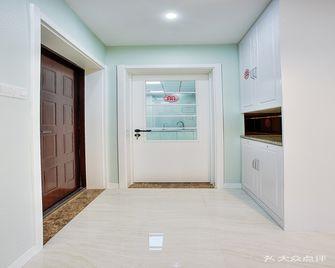 80平米三室两厅现代简约风格玄关效果图