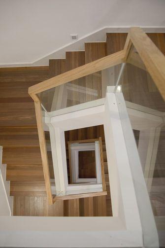 140平米日式风格楼梯间装修效果图