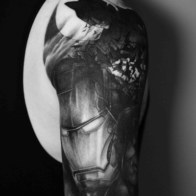 大臂遮盖蝙蝠侠钢铁侠纹身款式图