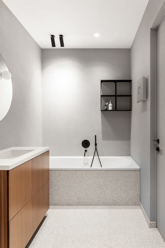 100平米三室一厅现代简约风格卫生间图