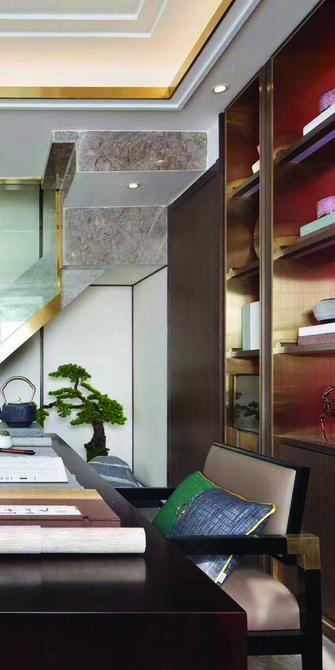 110平米三室一厅新古典风格楼梯间欣赏图