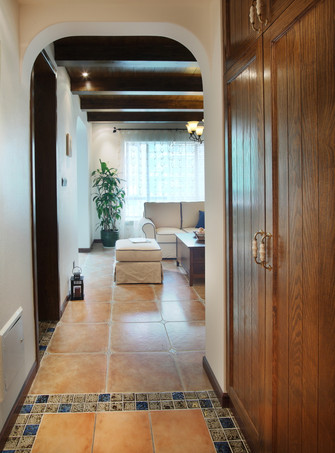 110平米三室两厅地中海风格玄关图