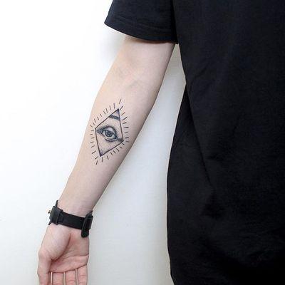 手臂几何纹身图