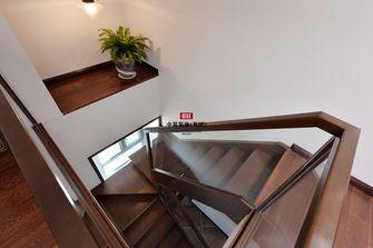 140平米三室两厅东南亚风格楼梯间欣赏图