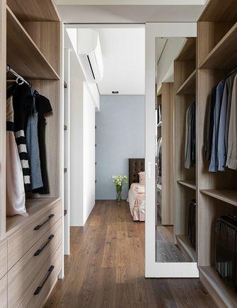 130平米三室两厅现代简约风格衣帽间图