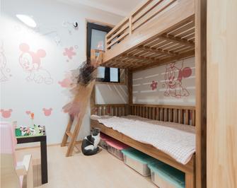 60平米日式风格儿童房图片