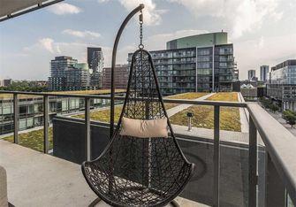 90平米现代简约风格阳台设计图