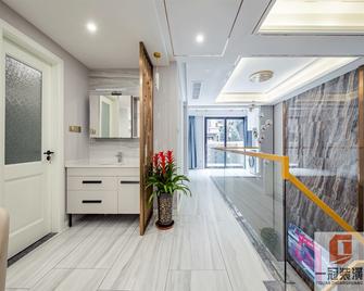 140平米三室一厅宜家风格走廊效果图