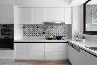 70平米英伦风格厨房装修案例