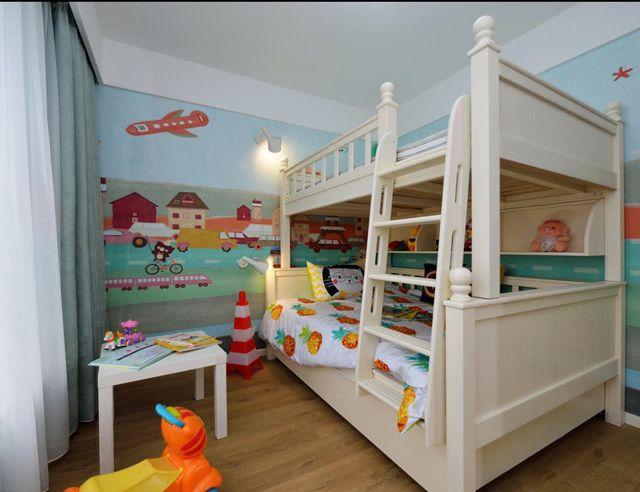 小编为您精心挑选了若干张兄妹双人儿童房间装修设计图,童趣满满欢乐无限,不管是整体布局还是角落细节都令人赞叹,绝对让您眼前一亮。如果您家里有一对可爱的兄妹宝宝,就需要在儿童房设计上动动脑筋了,怎么样一个房间成为兄妹两共同的温馨小窝呢?看完下面小编为您介绍的经典的兄妹双人儿童房设计图,相信您就心中有数了。