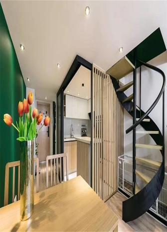 70平米现代简约风格楼梯间图片