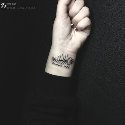 定制.鱼骨纹身款式图