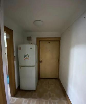 60平米一室两厅现代简约风格玄关图