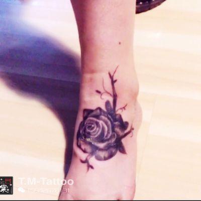 写实玫瑰纹身款式图