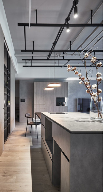 90平米四室两厅英伦风格餐厅装修案例