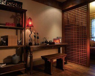 130平米三室两厅东南亚风格书房欣赏图