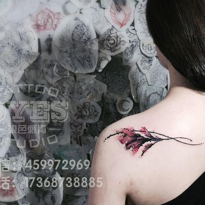 水墨花纹身款式图