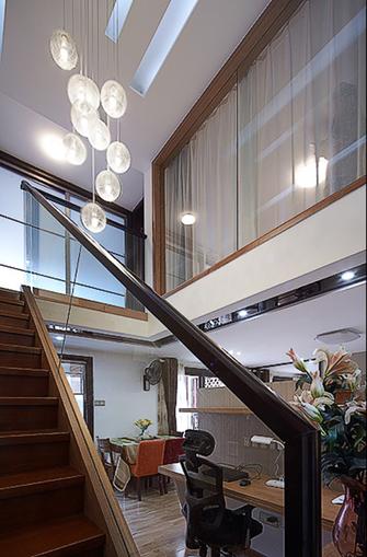 5-10万120平米三室两厅现代简约风格楼梯设计图