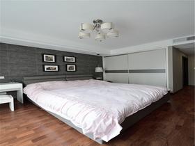 富裕型140平米三室兩廳現代簡約風格臥室圖