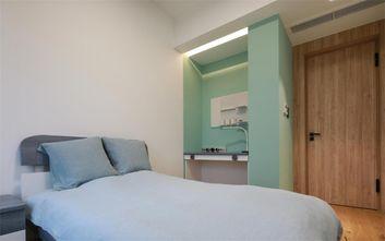 130平米三现代简约风格卧室图