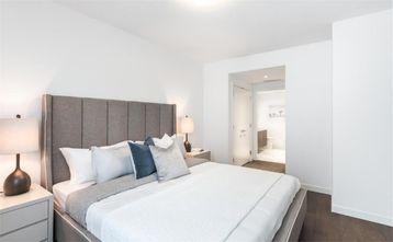 100平米三现代简约风格卧室设计图