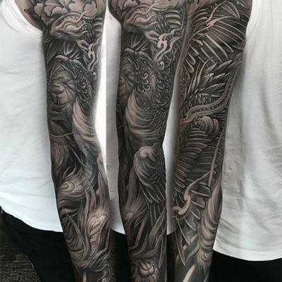 凤凰黑白花臂纹身图