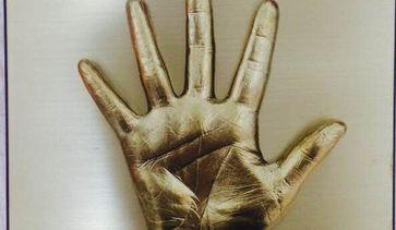 拥有伊婉专业金手指