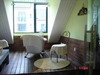 现代简约风格浴室装修案例